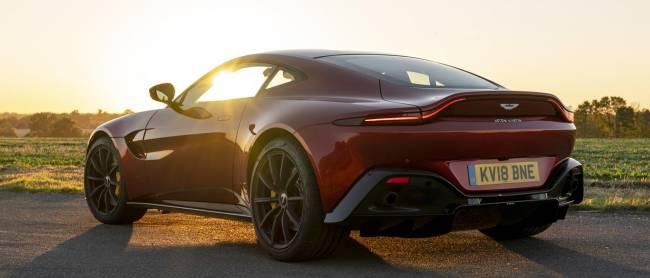 b2ap3_thumbnail_Aston-Martin-Vantage-2018-01.jpg