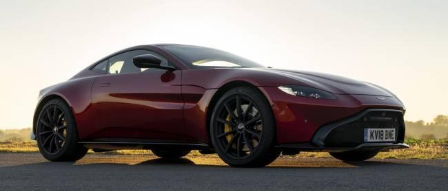 b2ap3_thumbnail_Aston-Martin-Vantage-2018-13.jpg