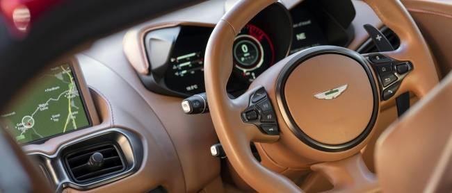 b2ap3_thumbnail_Aston-Martin-Vantage-2018-15.jpg