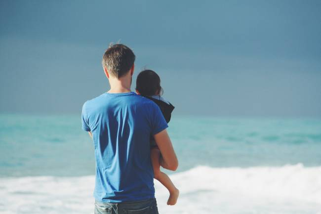 Testosterone levels drop when dads see their babies in distress | Image: Pixabay
