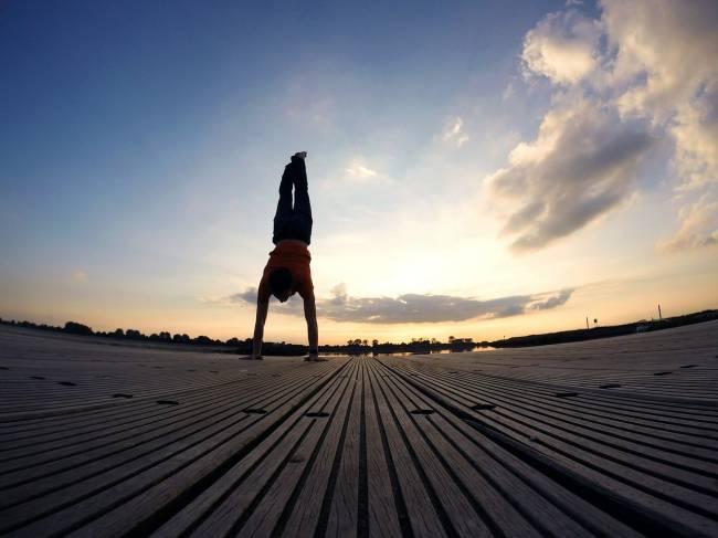 Primary school says handstands beyond children's capabilities   Image: Pixabay
