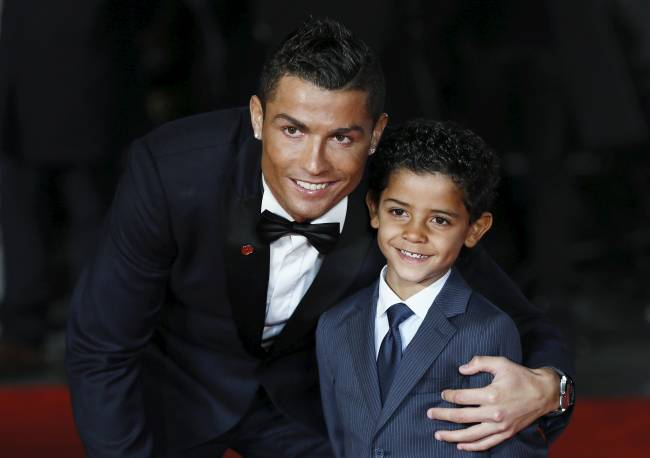 Ronaldo and son dressed the same | Image: Reuters/Stefan Wermuth