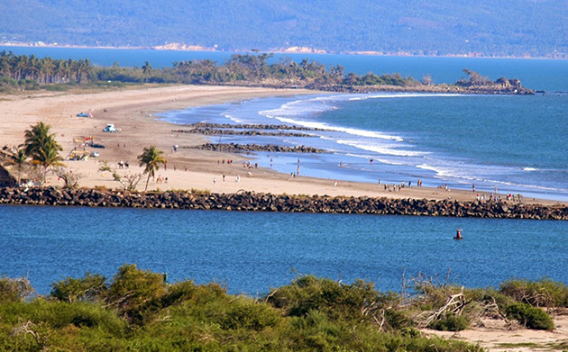 Competitive standup paddleboarding – a sport you could do while eating a burrito – comes to Mexico | Image: Riviera Nayarit
