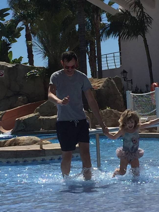 Simon and Mary have a splashing good time in Spain