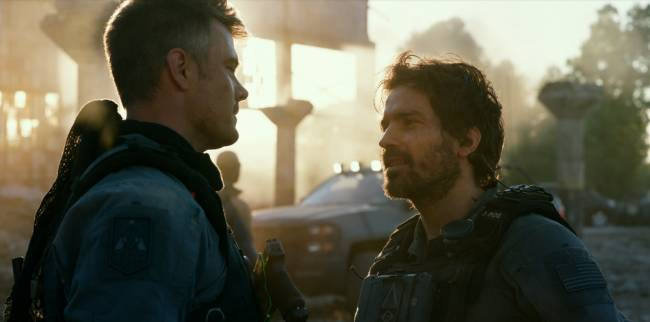 Josh Duhamel as Lennox and Santiago Cabrera as Santos in Transformers: The Last Knight. | Image: © 2017 Paramount Pictures.