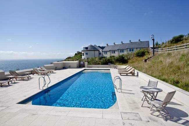 Outdoor pool at Gara Rock | Image: Gara Rock Resort.