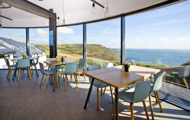 Coast Restaurant | Image: Gara Rock Resort.