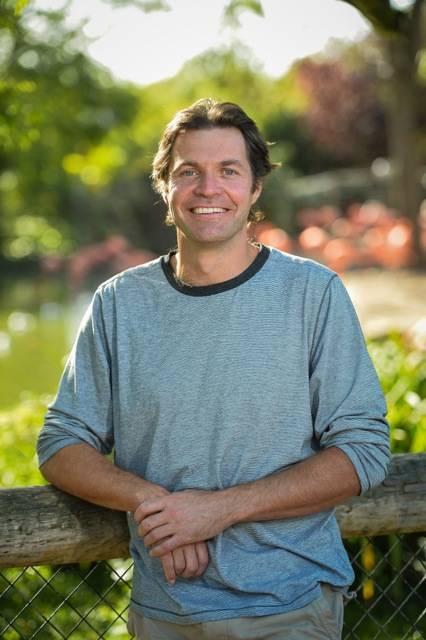 TV vet and Helping Rhinos supporter, Steven Leonard.