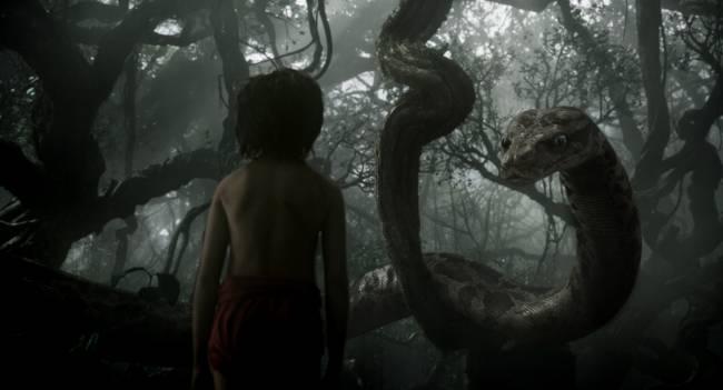 The man cub falls under python Kaa's spell