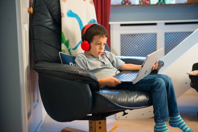 Apps can help monitor children's screen time | Image: ScreenLimit