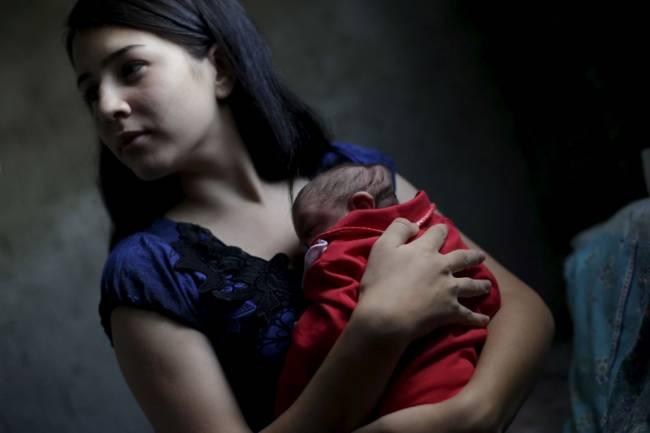 b2ap3_thumbnail_MUM-AND-CHILD-Ricardo-Moraes-resized.jpg