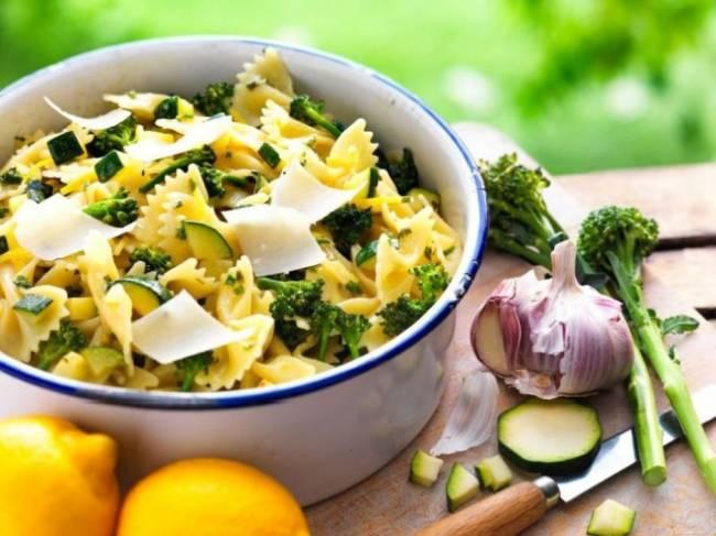 Courgette, broccoli and lemon pasta