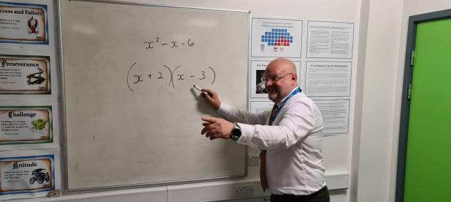 b2ap3_thumbnail_James-Murgatroyd.-Single-dad-to-maths-teacher.-Transition-to-Teach.jpg