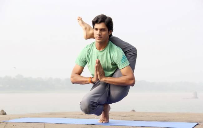 b2ap3_thumbnail_indian-yogi-yogi-madhav-8Nt8AR38T0I-unsplash.jpg