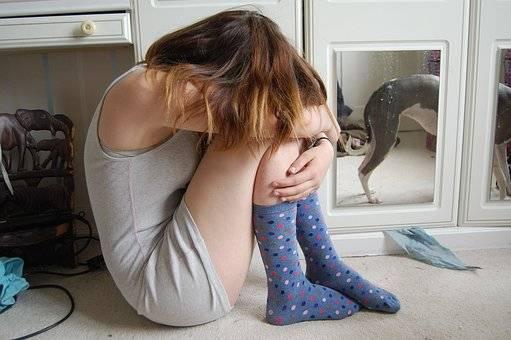 b2ap3_thumbnail_pixabay-ElleJW-snapchat-unhappy-teen.jpg
